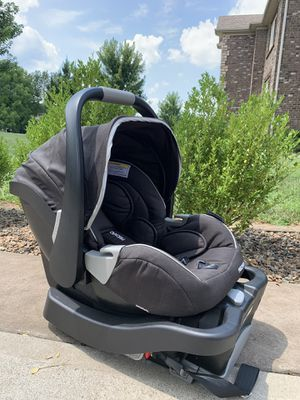 Baby car seat for Sale in Nicholasville, KY