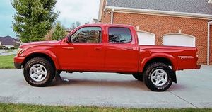 Luxxe 2001 Toyota Tacoma 4X4 4WDWheelss for Sale in Pembroke Pines, FL