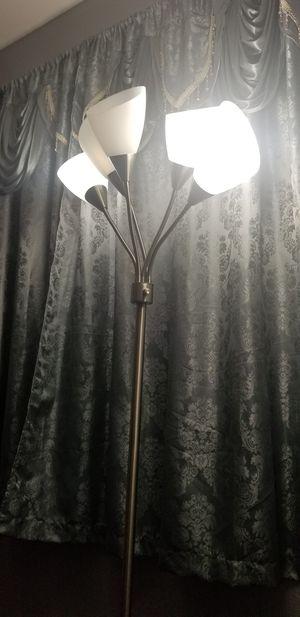 Floor lamp for Sale in Lodi, CA