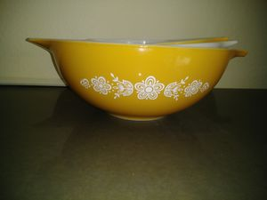 Vintage Pyrex mixing bowls for Sale in Round Rock, TX