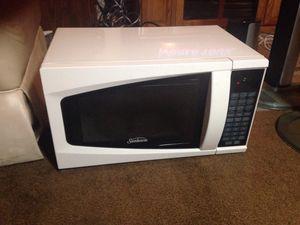 Sunbeam microwave for Sale in Menifee, CA