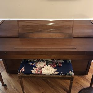 Piano -Acrosonic by Baldwin Medium Solid Oak for Sale in Plainfield, IL