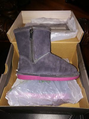 Bear Paw boots size 9 girls like new for Sale in Providence, RI