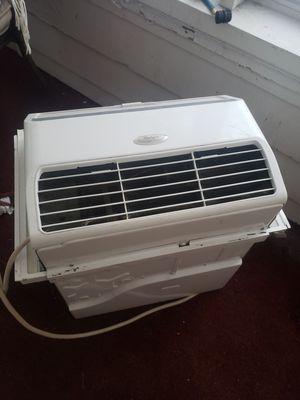 12000 BTU Whirlpool AC for Sale in Owosso, MI