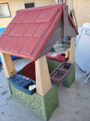 Casita. MUY CONOCIDA. en buenas condiciones for Sale in Bloomington, CA
