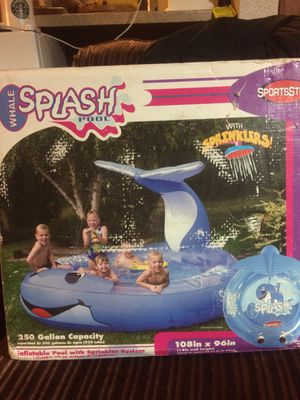 Sprinkler Kiddy Pool (104in x 96in) for Sale in Seattle, WA