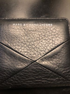 Marc Jacobs small black wallet for Sale in Cherry Valley, CA