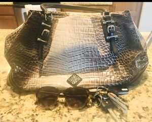Simply Vera by Vera Wang Purse for Sale in Chandler, AZ