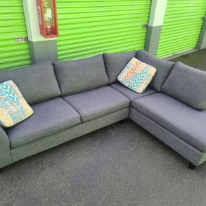 Gray Sectional Couch - Free Delivery for Sale in Puyallup, WA