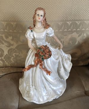 Antique Figuring Women Porceline Doll Bride / Quinceñera Doll for Sale in Montebello, CA