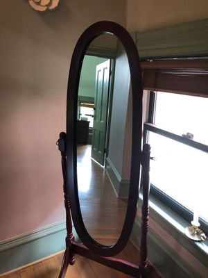 Grand Oval Standing Mirror for Sale in Portland, OR