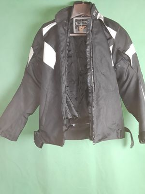 Hi i have a nice motorcycle jacket for women for Sale in Orlando, FL