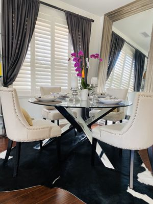 Dining room table & chairs for Sale in Irvine, CA