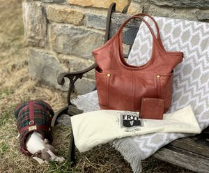 NWOT ❤️Valentines Day Special❤️Frye Campus Shoulder👜 with matching wallet🔥 for Sale in Purcellville, VA