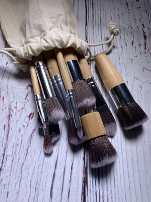 11 pc Bamboo Makeup Brush Set for Sale in Bakersfield, CA