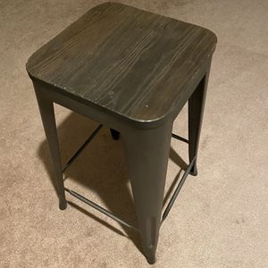 Bar Stools Backless With Metal Legs And Wooden Seat for Sale in Palo Alto, CA