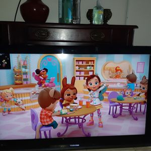 40 Inch Toshiba TV With Remote Works Great Looks Great for Sale in Katy, TX