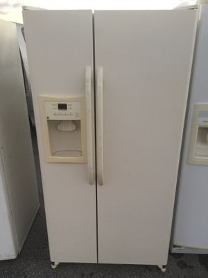 Refrigerator 33x68 for Sale in West Palm Beach, FL
