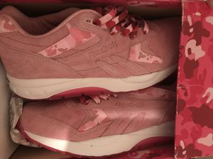 Pink Reebok's size 9 for Sale in Lake Wales, FL