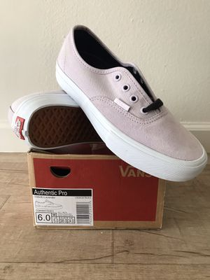 Women's Size 7.5 for Sale in Lawndale, CA