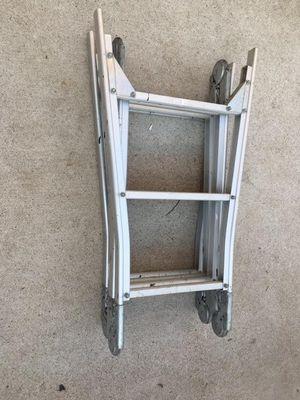 Escalera de aluminium de 13 pies sease de 5 posisiones for Sale in Dallas, TX