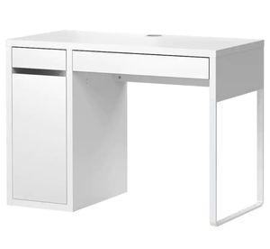 White desk for Sale in Laurel, MD