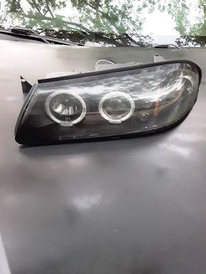 Headlight 00-05 Chevy impala for Sale in Greenacres, FL