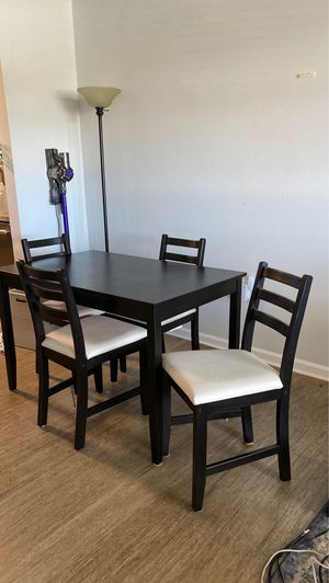 Kitchen table for Sale in Fort Lauderdale, FL