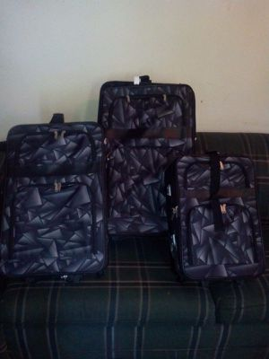 3 piece travel luggage for Sale in Lansing, MI