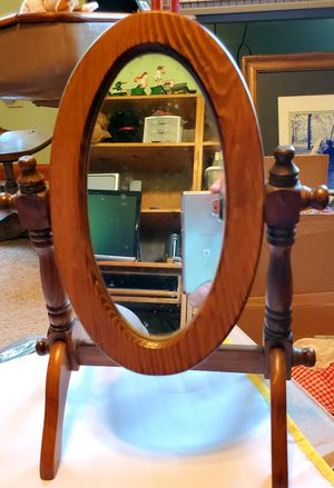 ANTIQUE MAKE-UP MIRROR for Sale in PA, US