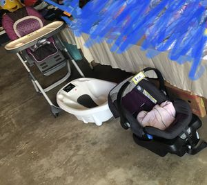 Graco 3-in-1 highchair; electronic baby bathtub; Eddie Bauer car seat w/base and cover for Sale in Elkhorn, WI
