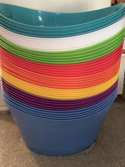 Oval Plastic Storage Bins W/handles for Sale in Frankfort,  IL