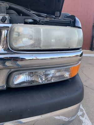 Headlight restoration/restauracion de luces! for Sale in Salinas, CA