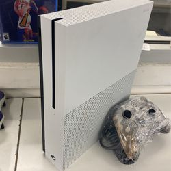 Xbox One S         ASK FOR BEATRIS!!!!! for Sale in Houston, TX