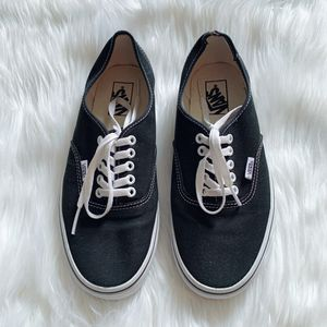 """Vans """"The Authentic"""" Original Low Top Mens Sneakers for Sale in The Bronx, NY"""