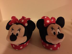 Minnie Mouse Youth medium slippers for Sale in Vienna, VA