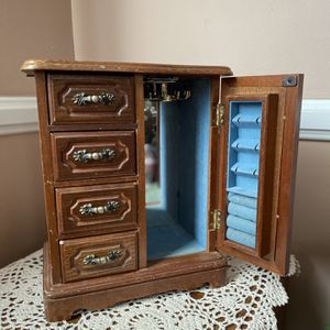Antique Wood Jewelry Box for Sale in Redondo Beach, CA