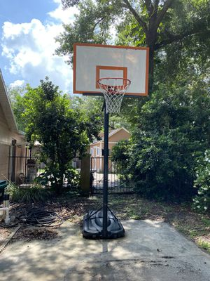 Basketball hoop for Sale in Orlando, FL