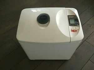 Panasonic Automatic Bread Maker SD-YD205 for Sale in Arlington Heights, IL