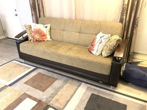 Beautiful Couch / Futon (Like New). No stairs! for Sale in Carmichael, CA