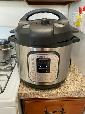 Instant pot ip-duo brand new never used for Sale in Orlando, FL