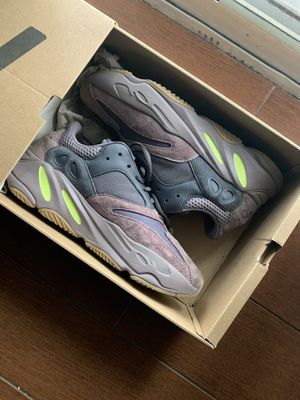 Yeezy 700 mauve size 9.5 for Sale in Hyattsville, MD