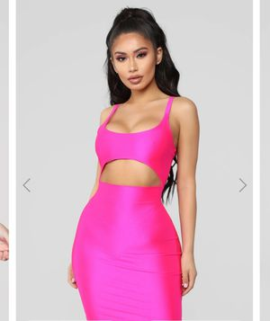 Fashion Nova Hot Pink Dress MEDIUM for Sale in Los Angeles, CA