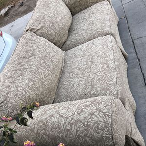 FREE Couch for Sale in Visalia, CA