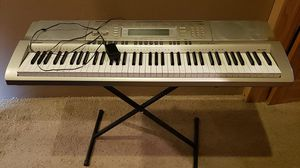 Casio WK-200 electronic keyboard for Sale in Grants Pass, OR
