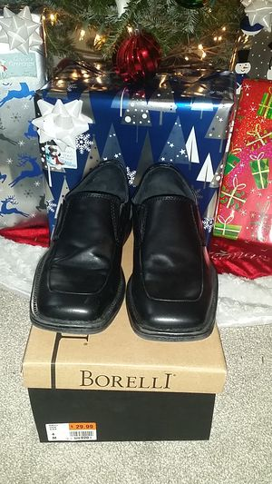 Boys Borelli Dress Shoes Sz.4 for Sale in Nashville, TN
