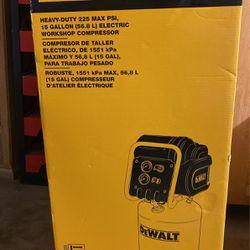 Dewalt Heavy-duty Compressor 225 Max Psi for Sale in Oklahoma City,  OK