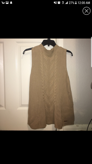 Michael kors gold vest xl for Sale in Cleveland, OH