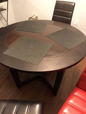 Dining Table - Round with 4 chairs for Sale in Fort Lauderdale, FL