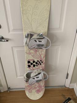 Womens Avalanche 145 Snowboard for Sale in Sacramento,  CA